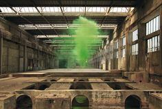 Texan photographer Irby Pace imagine surreal landscapes incorporating colored smoke clouds in empty or abandoned sites. Smoke Bomb Photography, Smoke Cloud, Colored Smoke, Interactive Art, Film Studio, Traditional Landscape, Land Art, Artists Like, Color Splash