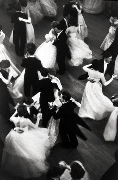 Queen Charlotte's ball by Henri Cartier-Bresson - London (1959)