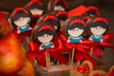 Festa Branca de Neve: 27 doces personalizados - IFIT