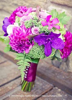 http://www.weddingsromantique.com/wp/wp-content/uploads/2012/10/Chic-purple-and-pink-wedding-bouquet.jpg
