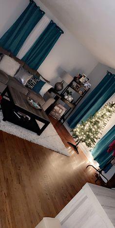 42 favorite cozy living room decor ideas to copy 32 Teal Living Rooms, Living Room Themes, Living Room Decor Cozy, Home Living Room, Apartment Living, Living Room Designs, Bedroom Decor, Girl Apartment Decor, Decor Room