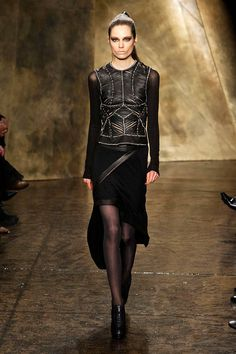 Donna Karan Fall 2013 Ready-to-Wear Runway - Donna Karan Ready-to-Wear Collection - ELLE