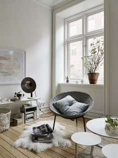 Here we showcase a a collection of perfectly minimal interior design examples for you to use as inspiration. Check out the previous post in the series: 30 Small Living Rooms, Scandinavian Home, Minimalism Interior, Home And Living, Dream Decor, Interior Design, Home Decor, House Interior, Home Deco