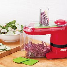 Here is an electric tool that slices and dices your food without you having to break a sweat. The Dash Electric Mandoline & Food Slicer makes thin, Small Kitchen Appliances, Kitchen Items, Kitchen Gadgets, Cool Kitchens, Red Kitchen, Kitchen Dining, Kitchen Tools, Best Vegetable Spiralizer, Spiral Vegetable Slicer