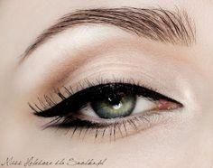 Marilyn Monroe makeup tutorial - make up and manis - Eye Makeup Makeup Inspiration, Makeup Inspo, Makeup Tips, Beauty Makeup, Hair Beauty, Makeup Ideas, Design Inspiration, Kiss Makeup, Love Makeup