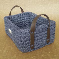 Marvelous Crochet A Shell Stitch Purse Bag Ideas. Wonderful Crochet A Shell Stitch Purse Bag Ideas. Crochet Quilt Pattern, Crochet Basket Pattern, Knit Basket, Crochet Stitches, Crochet Patterns, Crochet Bowl, Crochet Diy, Crochet Gifts, Cotton Cord