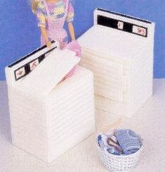 Barbie Washer and Dryer with laundry basket = plastic canvas awesomeness.