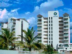 Carisa y Palma es un moderno hotel-condominio que consta de 2 torres de 3 estrellas que te asegura unas vacaciones inolvidables, ya que se encuentra localizado en una de las playas más hermosas de Cancún y a tan sólo 5 minutos caminando de la zona de restaurantes, bares, antros y los lugares de entretenimiento reconocidos internacionalmente por sus fiestas y diversión.