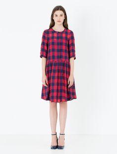 http://world.maxandco.com/p-6221056003001-desideri-red-pattern