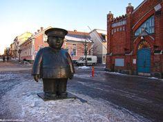 Oulun kauppahallista ostan kaikenlaisia talviherkkuja!  http://www.rotuaari.info/markethall Ja majoitus läheltä: http://www.radissonblu.fi/hotelli-oulu  All sorts of winter treats are available in Oulu market hall.