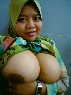 Big breast nude gif
