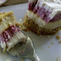 Frozen Raspberry Cheesecake Bars