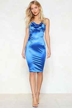 How did the satin midi dress come about? Satin Midi Dress, Silky Dress, White Midi Dress, Satin Gown, Satin Dresses, Blue Satin Dress, Silk Satin, Tight Dresses, Sexy Dresses