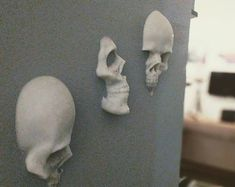I designed these wall art skulls to be used as a general awesomeness or Halloween decoration. The quantities listed here are what Ive already made and have in stock, but I can print any of them to order of needed. They have a honeycomb pattern on th Halloween Crafts, Halloween Decorations, Halloween Wall Decor, Spooky Halloween, Halloween Makeup, Skull 3d, Art Mur, Goth Home Decor, 3d Wall Art