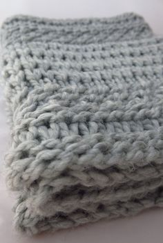 Soft, warm and quick to knit. This is a perfect winter warmer and would make a fabulous gift. This cowl is an interesting mix of stitch patterns and textures, and looks much more complicated than it really is! Yarn: Cloudborn Fibers Superwash Merino Bulky in Heather Grey. 2 skeins =218