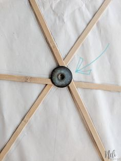 How to upgrade a ceiling light shade for free. Get rid of the boob light and get a beautiful light fixture. You just need to upcycle one thing to get this new lamp shade. Full step by step tutorial so you can make this idea. Diy Light Shade, Paper Floor Lamp, Ceiling Lamp, Ceiling Lights, Diy Luminaire, Tons Clairs, Bamboo Lamp, Ceiling Light Shades, Diy Light Fixtures