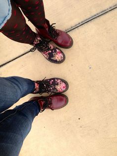 Bucket List: Buy two pairs of cute shoes with your best friends and take a pair from each! I LOVE this idea! -- erm, this will only work with a friend that has the same shoe size. haha. but still cute!