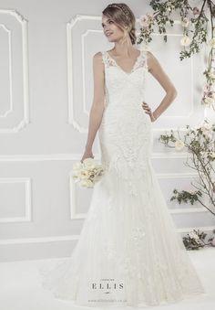 #Ellis2015 Style 11433 'Elegant Soft Tulle Fluted Dress with Appliqué Guipure Lace Motifs'