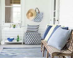 Dash and Albert rugs- sold at Beachwood. Indoor and outdoor rugs Outdoor Runner Rug, Outdoor Pouf, Indoor Outdoor Area Rugs, Outdoor Throw Pillows, Outdoor Spaces, Runner Rugs, Outdoor Living, Outdoor Decor, Deco Marine