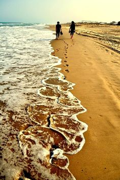 ... is perfect when you're going for a stroll on the beach.