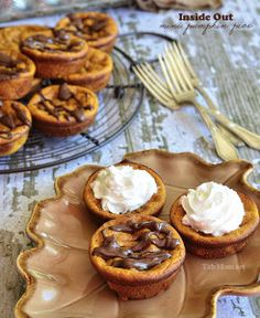 Pumpkin pie baked in a muffin tin?  How adorable... not to mention super easy! Re-invent the classic fall treat with this easy pie recipe!