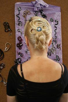 Ines Lang Design Hair Styles, Beauty, Design, Hair Makeup, Hair Plait Styles, Hairdos, Haircut Styles, Hair Cuts