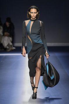 Défilé Versace Automne-hiver 2017-2018 Prêt-à-porter - Madame...