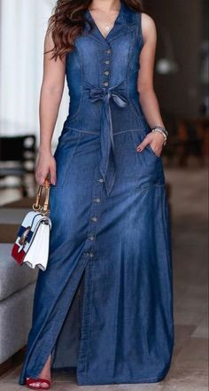 Pin by Glamster on Dresses Long Denim Dress, Demin Dress, Dress Skirt, Dressy Casual Outfits, Stylish Dresses, Casual Dresses, Cool Outfits, Denim Fashion, Fashion Outfits