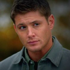 via Addicted to Dean Winchester Sam And Dean Winchester, Supernatural Dean, Many Faces, Big Love, Green Shirt, Jensen Ackles, Tv Shows, It Cast, Handsome