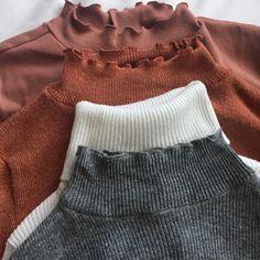 Alla dessa med bootcut byxor i olika färger beroende på vilken tröja