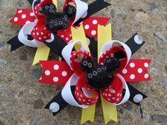 Mickey and Minnie Mouse Hair Bows Minnie Bow, Minnie Mouse Party, Mickey Minnie Mouse, Baby Girl Hair Bows, Baby Bows, Disney Hair Bows, Diy Hair Accessories, Crazy Hair, Cute Bows