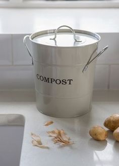 Be both eco friendly and stylish with our popular Compost Bucket in Clay. With its nickel-plated handles and the word 'compost' written simply on the side, this essential compost bin is good-looking enough to sit on the kitchen worktop. Reuse Recycle, Recycling, Compost Bucket, Diy Compost Bin, Kitchen Compost Bin, Garden Compost, Limpieza Natural, How To Make Compost, Waste Reduction