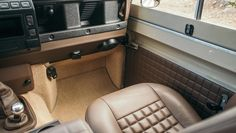 coolnvintage Land Rover Defender (50 of 81).jpg