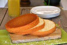 Bizcocho Genovés Different Kinds Of Cakes, Spanish Cuisine, Breakfast Cake, Sponge Cake, Recipe For 4, Cute Cakes, Cake Cookies, Eat Cake, Cake Decorating