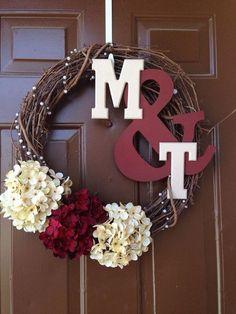 ampersand couples wreath with hydrangeas / http://www.himisspuff.com/wedding-wreaths-ideas/2/