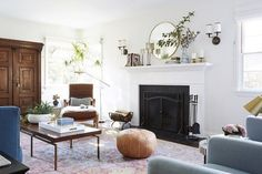 These are the best warm white paint colors, according to leading interior designers Leanne Ford, Amber Lewis, Emily Henderson, and Best White Paint, White Paints, Taupe Paint Colors, Gray Paint, Foyer Paint Colors, Wall Colors, Neutral Colors, Home Interior, Interior Design