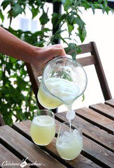 Une citronnade aux citrons vert express, très facile à faire et délicieuse ? J'ai la recette qu'il vous faut, et elle est expliquée en images...