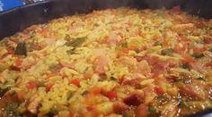Cazuela de cerdo y arroz Salsa, Grains, Rice, Ethnic Recipes, Videos, Food, Pork, Slow Food, Food Recipes