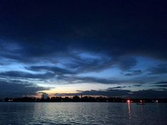 An eve and a sunset sky 🌃 #photography #travelgram #wanderlust #travelphotography #cloud #hunk #swimming #asian #likesforlikes #followforfollowum #all_sunsets #picof #like4like #inceleme #radio #sonido #song #yo #familia #joy #alegria #peace #paz #discover #place #amazing #tourist #hangout #horizon #earth by ratssuraj. likesforlikes #radio #yo #wanderlust #followforfollowum #asian #all_sunsets #inceleme #joy #travelphotography #alegria #familia #amazing #earth #picof #swimming #cloud…