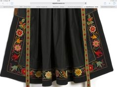 Folk Costume, Costumes, Unique Flowers, Flower Embroidery, Traditional Outfits, Clothing Ideas, Norway, Skirts, Clothes