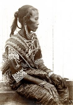 Philippines | Bagobo woman_ Davao, Mindanao 1901 (University of Michigan Library Collection)