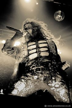 Rob Zombie live at the O2 Brixton Academy #live #music #robzombie 2011-02-16