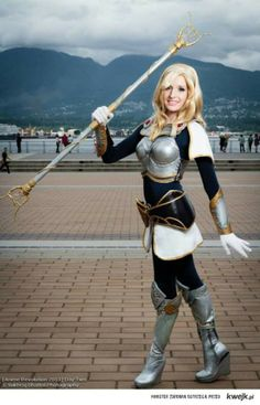 Lux cosplay- league of legends