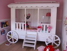 "handmade gipsy meisjes bed, matras 80x200 cm, splendid idea for the girls bedroom, design & production by: ""HANS"" (www.hansknepper.nl)"