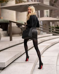 Long legs in a black leather mini skirt and Christian Louboutin stilettos Black Dress Outfits, Heels Outfits, Mode Outfits, Classy Outfits, Sexy Outfits, Fashion Outfits, High Heels Outfit, Business Casual Outfits For Work, Botas Sexy