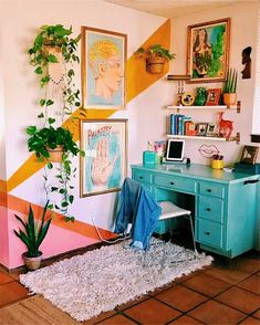 Home Interior Design One of the coolest home offices I've ever seen - Innenarchitektur Schlafzimmer - Aesthetic Room Decor, Retro Home Decor, Vintage Apartment Decor, Retro Apartment, Hipster Home Decor, Colorful Apartment, New Room, House Colors, Home Interior Design