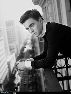 Jesse McCartney <3 are you thinking that he is as hot as I'm thinking he is?!