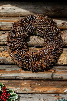 This beautiful Precious Pinecone Wreath is made from the most beautiful pine cones. Create a special atmosphere at home and hang the wreath on a wall or lay it down for decoration. Pine Cones, Wreaths, Beautiful, Autumn, Fall, Winter 2017, Art Ideas, Magazine, Wall Art