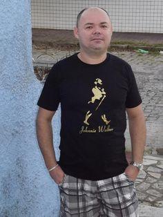 Camiseta Johnnie Walker - Os clássicos. Ótima pedida pro presente de Natal ;)