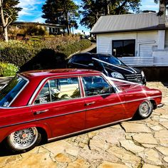 Image may contain: car and outdoor Mercedes W114, Mercedes 500, Mercedes Benz Cars, Gottlieb Daimler, Bmw E38, Classic Mercedes, Custom Cars, Classic Cars, Automobile